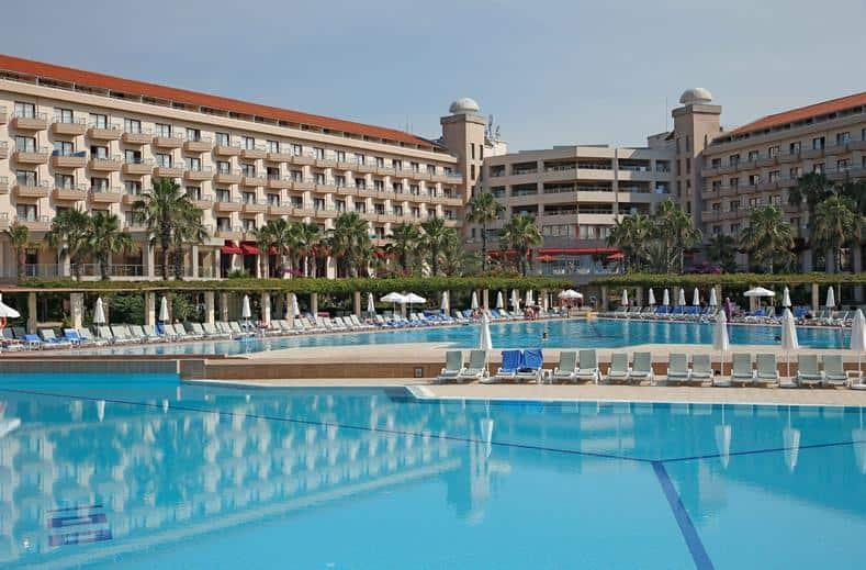 Zwembad van Kaya Belek in Belek, Turkije