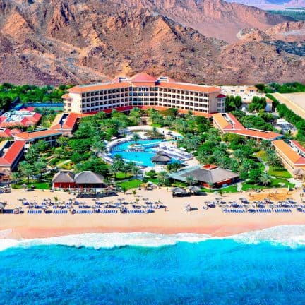 LIGGING VAN Fujairah Rotana Resort en Spa in Al Agah, Fujairah