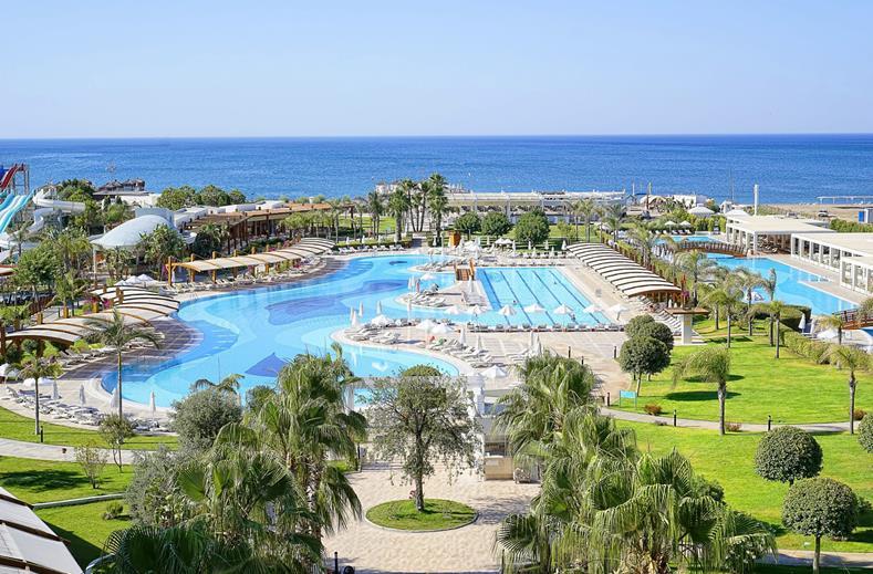 Zwembad van Baia Lara in Antalya, Turkije