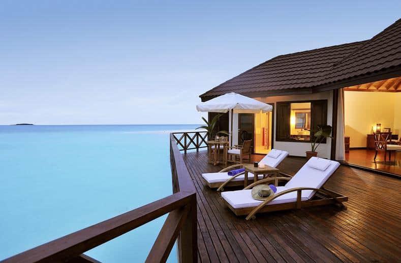 Bungalow van Robinson Club Maldives in Gaafu Alif Atol, Malediven