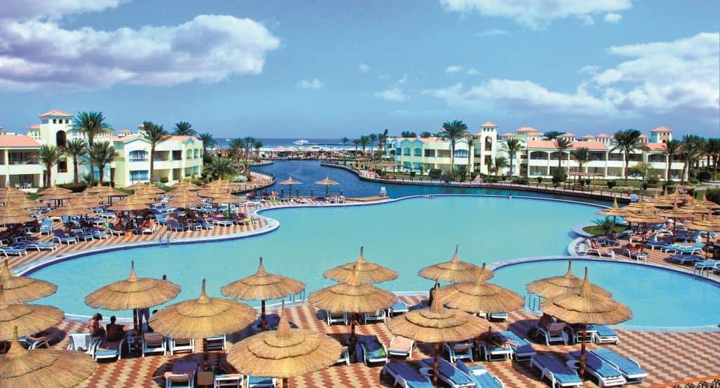 Zwembaden van Dana Beach Resort in Hurghada, Egypte