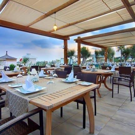 Diner van Baia Lara in Antalya, Turkije