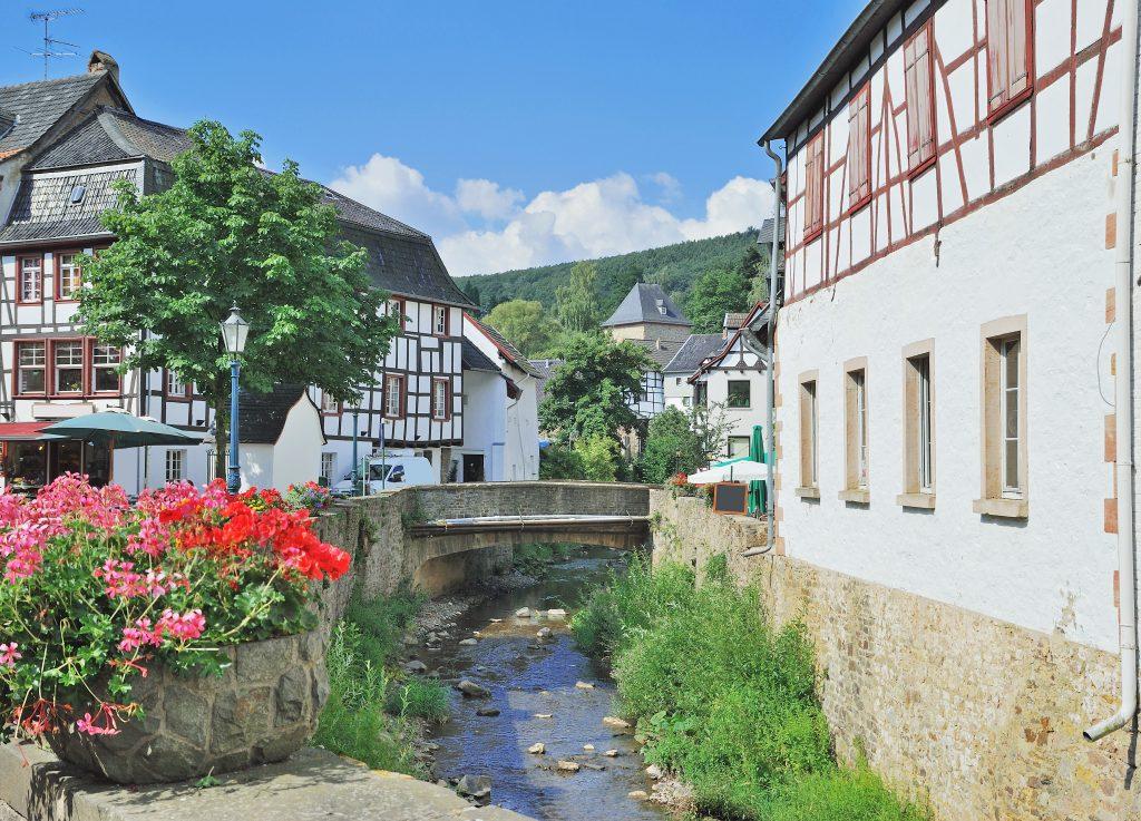 Bad Münstereifel in de Eifel in Duitsland