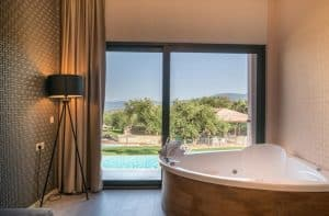 Elegance Luxury Executive Suites in Tsilivi, Zakynthos