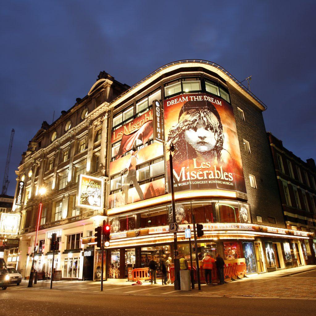 Les Misérables promotie bij het Queen's Theatre in Londen, Engeland