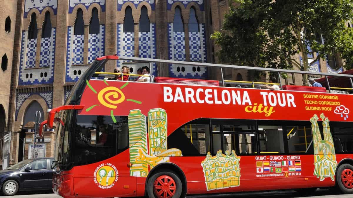 Ontdek Barcelona op je eigen tempo met de hop-on hop-off bustour