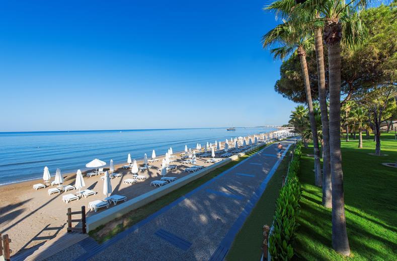 Strand van Barut Acanthus en Cennet in Side, Turkije