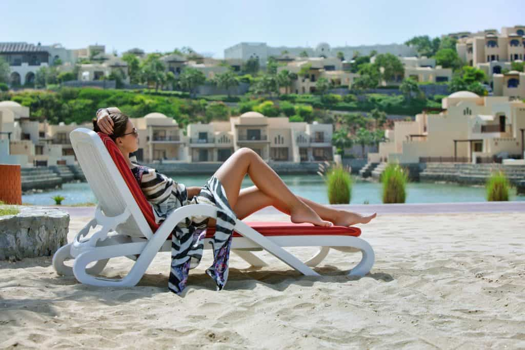Strand van Hotel The Cove Rotana in Ras Al-Khaimah, Verenigde Arabische Emiraten