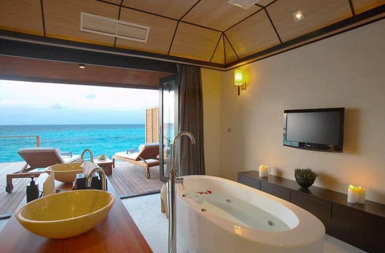 Hotelkamer van Lily Beach Resort en Spa in Zuid-Ari Atol, Malediven
