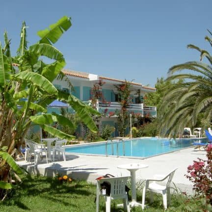 Zwembad van Angela Studios in Pythagorion, Samos