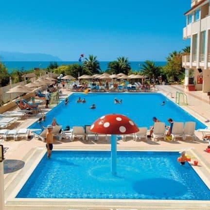 Zwembad van Ephesia Hotel in Kusadasi, Turkije