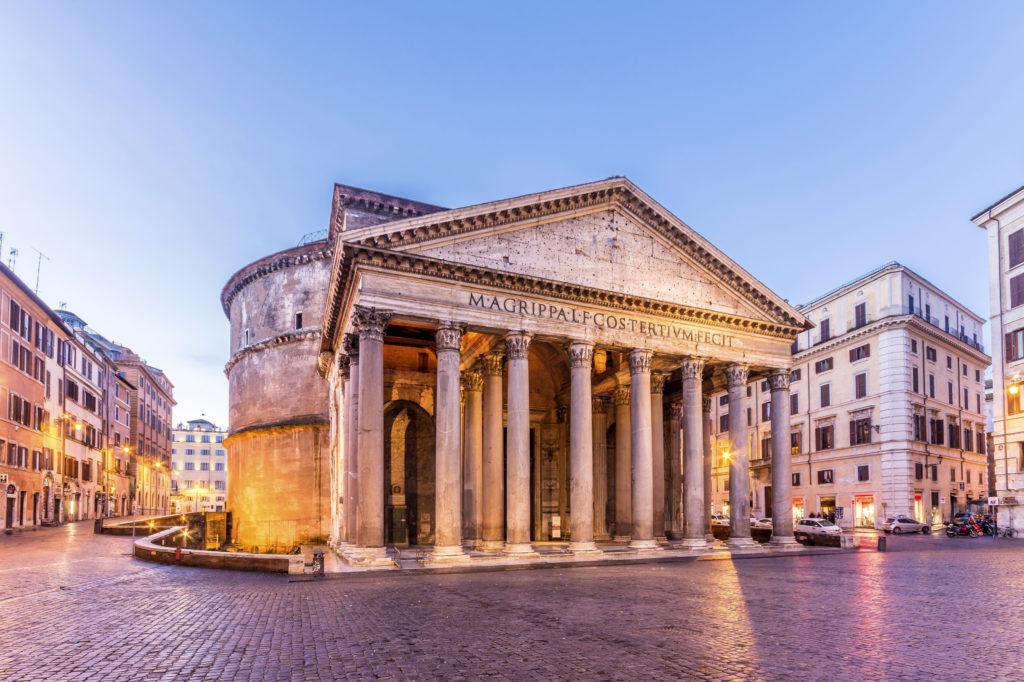 Avondduister bij het Pantheon in Rome, Italië
