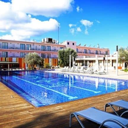 Trendy Hotel Puchet op Ibiza in Spanje