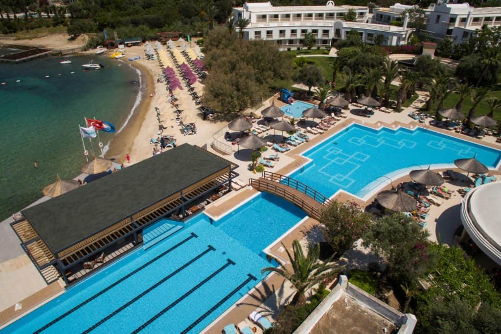 Zwembad van Hotel Samara in Torba, Turkije