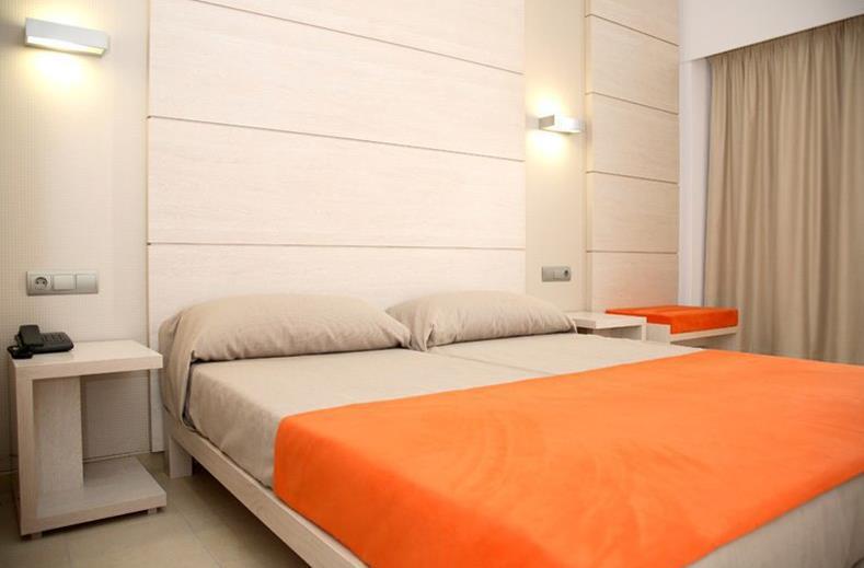 Hotelkamer van Hotel Puchet in San Antonio, Ibiza