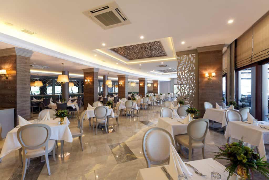 Restaurant van Hotel Samara in Torba, Turkije