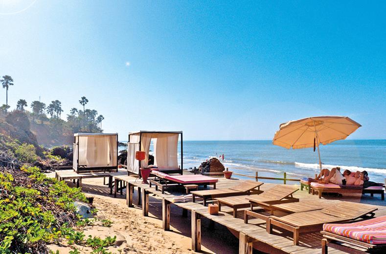 Strand van Nagala Lodge in Bakau, Gambia