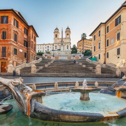 Uitzicht op de Spaanse Trappen in Rome, Italië