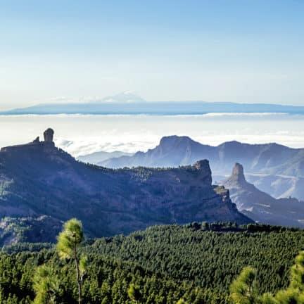 Uitzicht op Tenerife vanaf Roque Nublo op Gran Canaria