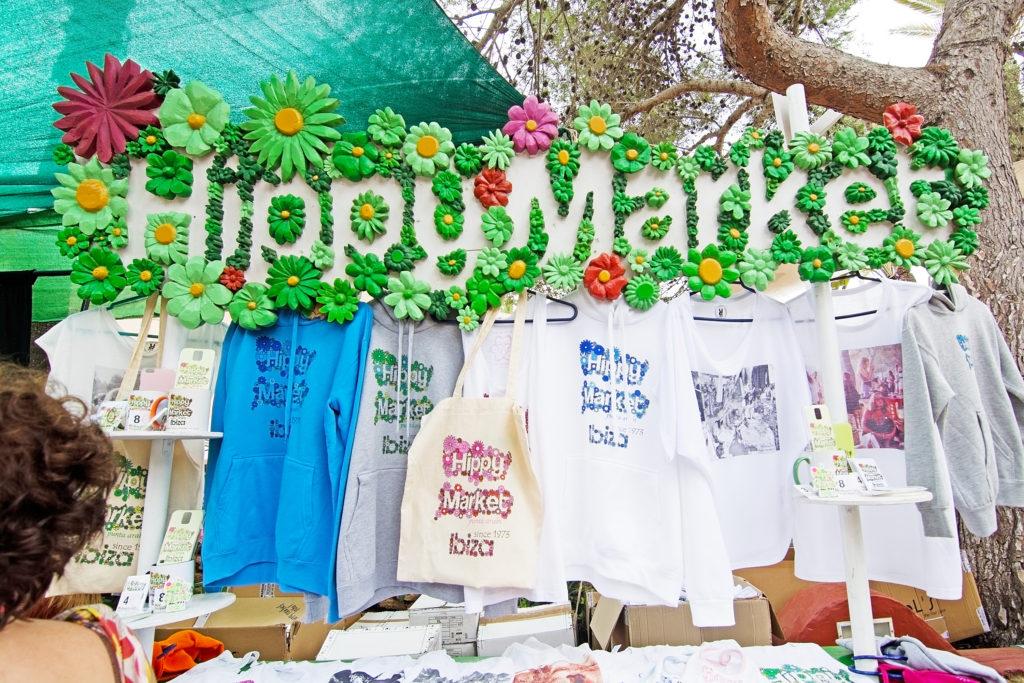 Marktkraam op de hippiemarkt van Ibiza