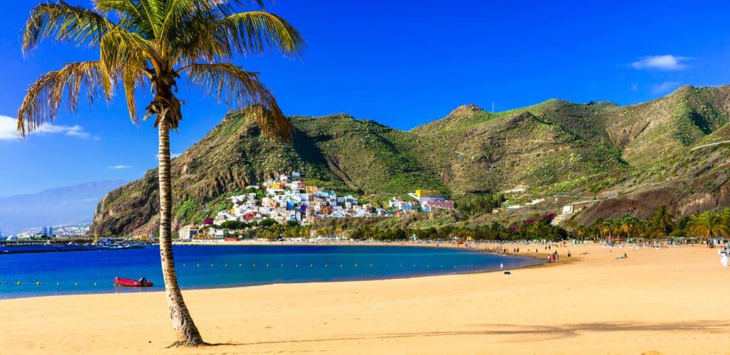 Strand van Playa Las Teresitas op Tenerife