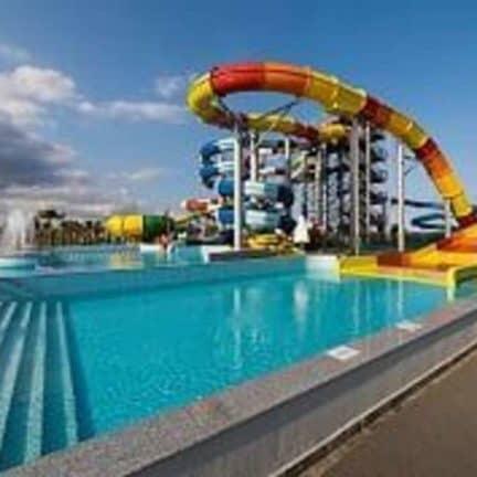 Aquapark van Limak Cyprus Deluxe Hotel in Vokolidha, Noord-Cyprus, Cyprus