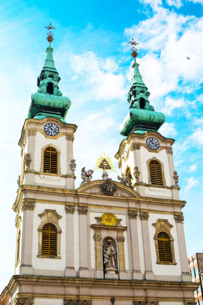 Bovenzijde van de Sint-Annakerk in Boedapest, Hongarije