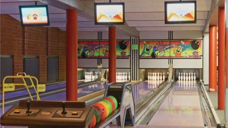Bowlingbaan van Vakantiepark Hambachtal in Oberhambach, Rijnland-Palts, Duitsland
