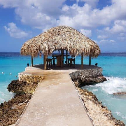 Strand van Delfins Beach Resort Bonaire in Kralendijk, Bonaire