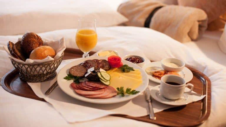 Ontbijt van Landhotel Laarmann in Kirchveischede, Duitsland