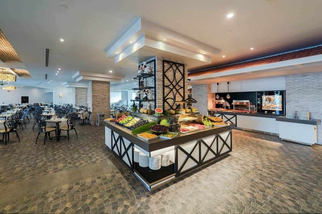 Restaurant van Limak Cyprus Deluxe Hotel in Vokolidha, Noord-Cyprus, Cyprus