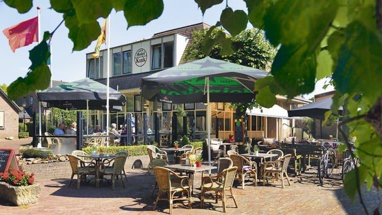 Terras van Hotel Kuik in Ruinen, Drenthe, Nederland