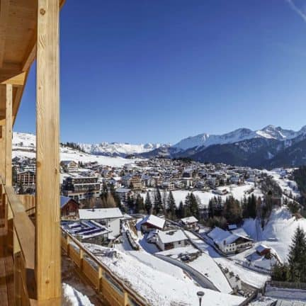Uitzicht van Vaya St. Zeno in Serfaus, Tirol, Oostenrijk