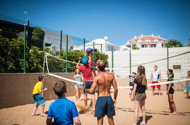 Volleyballen bij HD Parque Cristóbal Tenerife