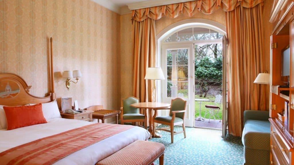 Hotelkamer van Disneyland Hotel in Marne-la-Vallée, Parijs, Frankrijk