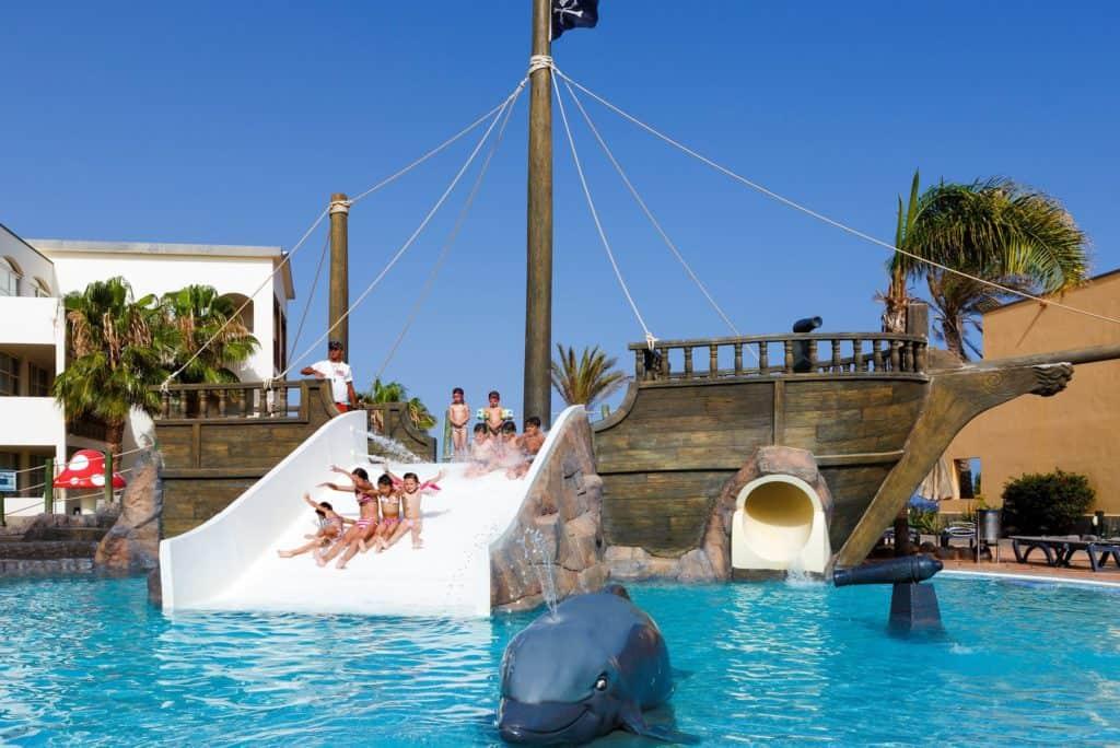 Kinderbad van H10 Rubicon Palace in Playa Blanca, Lanzarote, Spanje