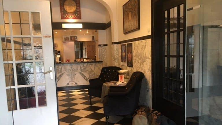 Receptie van Hotel Cafe Restaurant Wilhelmina in Venlo, Limburg, Nederland