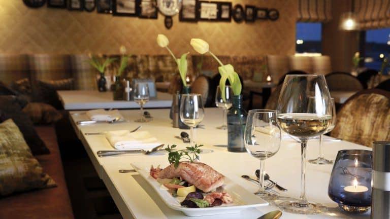 Restaurant van Hotel Meyer in Bergen aan Zee, Noord-Holland, Nederland