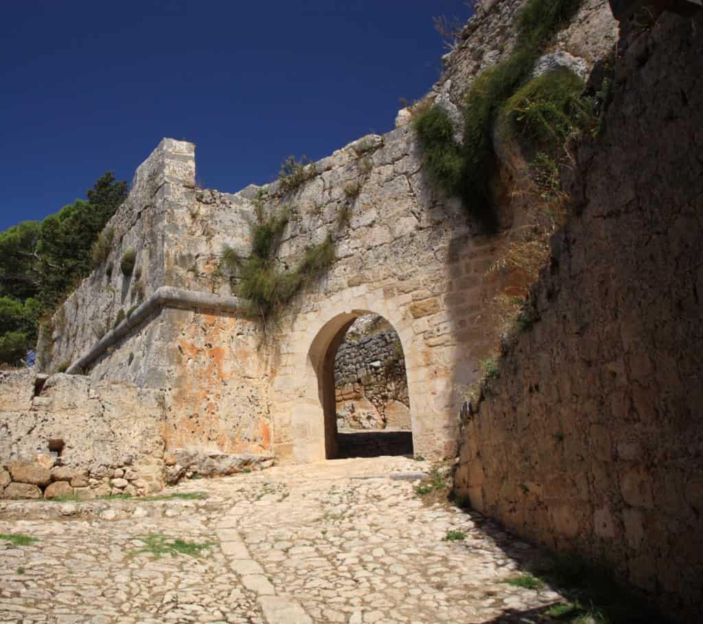 Ayios Georgios of Saint George kasteel op Kefalonia in griekenland