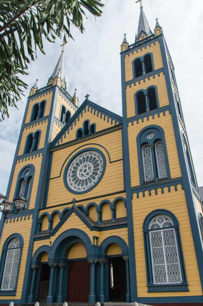 Sint Peter en Paul Kathedraal in Paramaribo, Suriname
