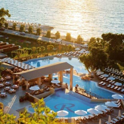 Zwembaden van Amathus Beach Hotel in Ixiá, Rhodos, Griekenland
