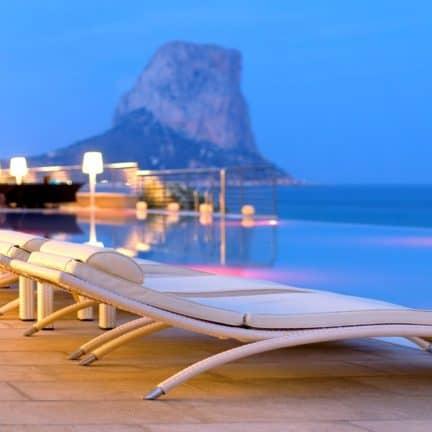 Zwembad van Gran Hotel Sol Y Mar in Calpe, Costa Blanca, Spanje