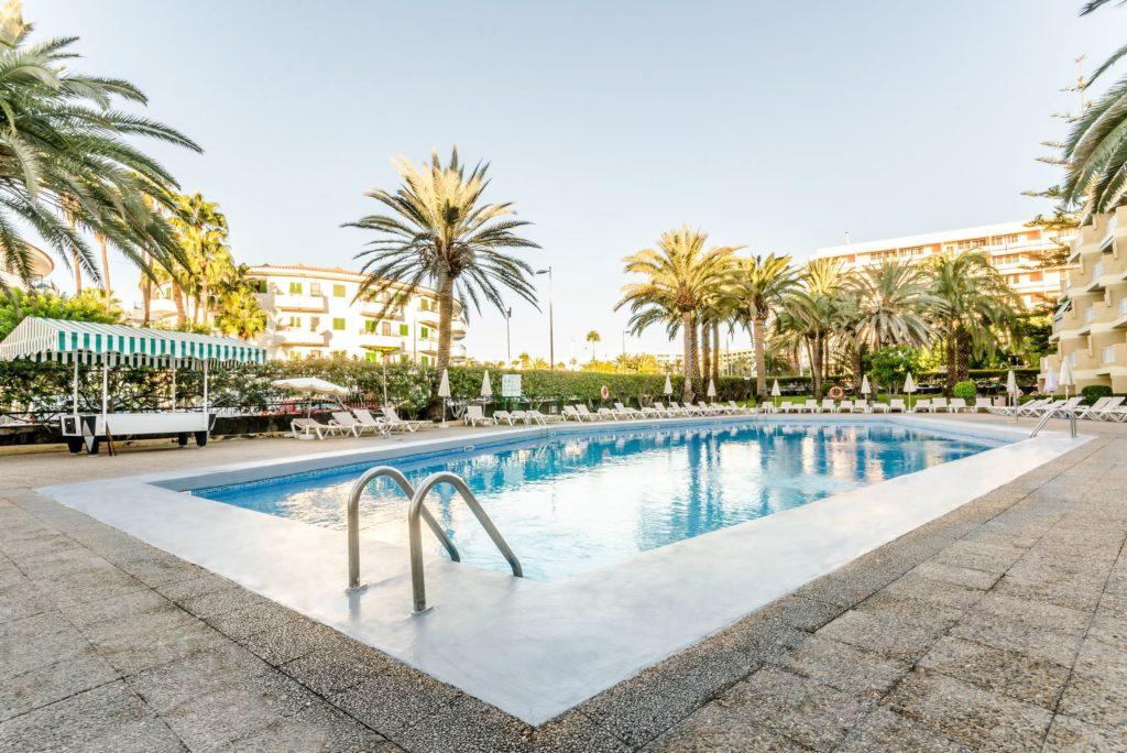 Zwembad van Jardin Del Atlantico in Playa del Inglés, Gran Canaria, Spanje