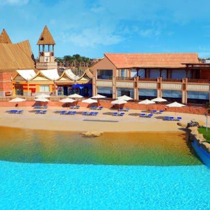 Zwembad van Jungle Aqua Park in Hurghada, Rode Zee, Egypte