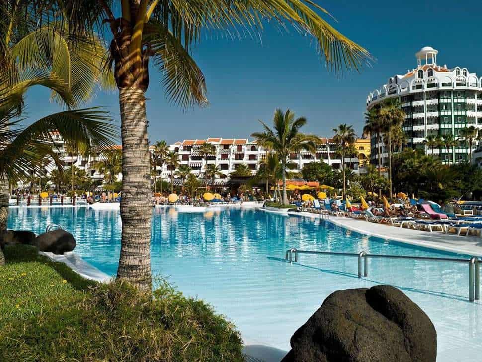 Zwembad van Parque Santiago IV in Playa de las Américas, Tenerife, Spanje
