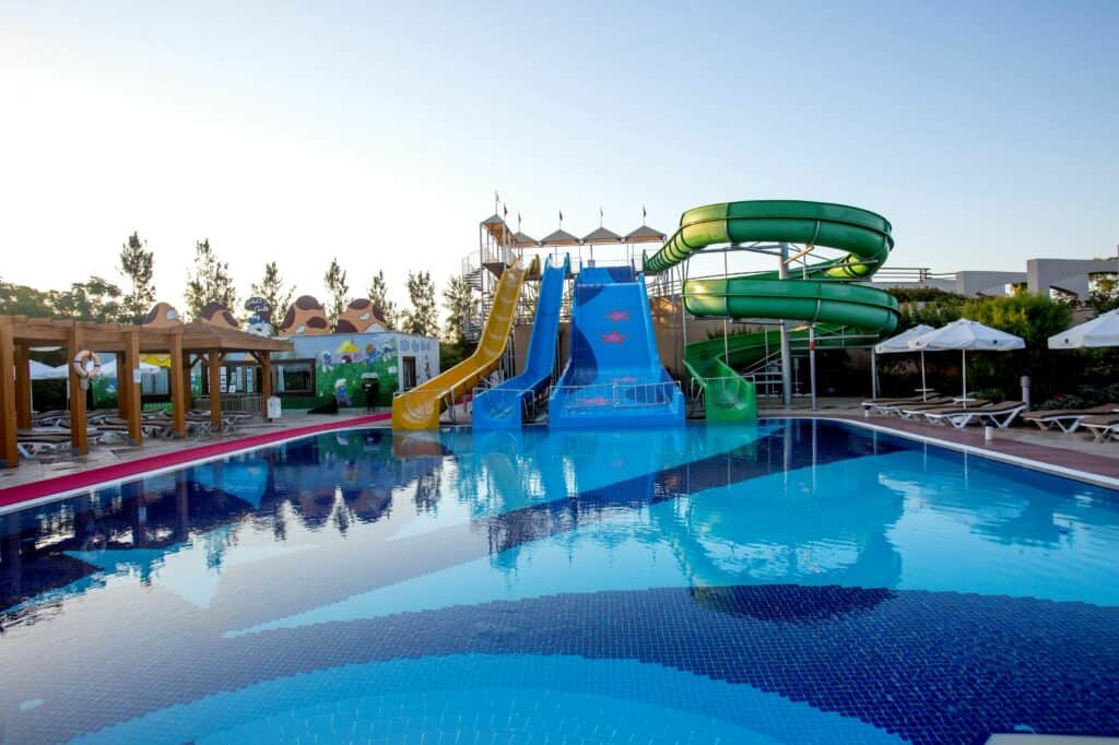 Glijbanen van Fame Residence Lara & Spa in Lara Beach, Turkse Rivièra, Turkije