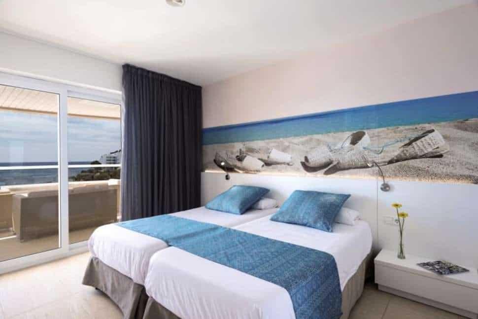 Hotelkamer van Tropic Garden Hotel Apartments in Santa Eulalia del Río, Ibiza, Spanje