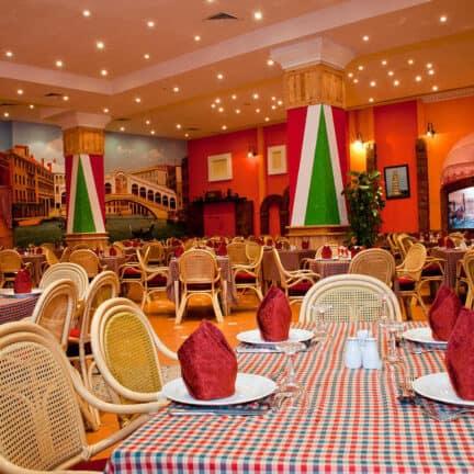 Restaurant van Ali Baba Palace in Hurghada, Rode Zee, Egypte