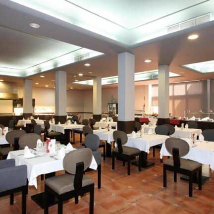 Restaurant van Aparthotel El Duque in Costa Adeje, Tenerife, Spanje