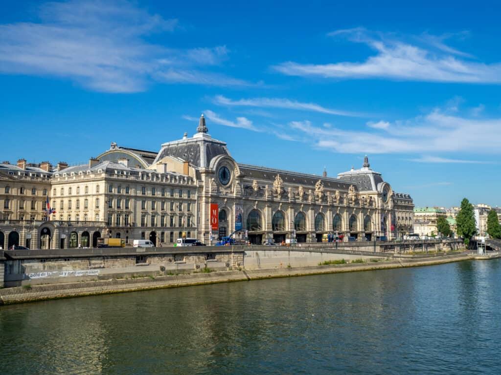 Uitzicht op het Musée d'orsay in Parijs, Frankrijk